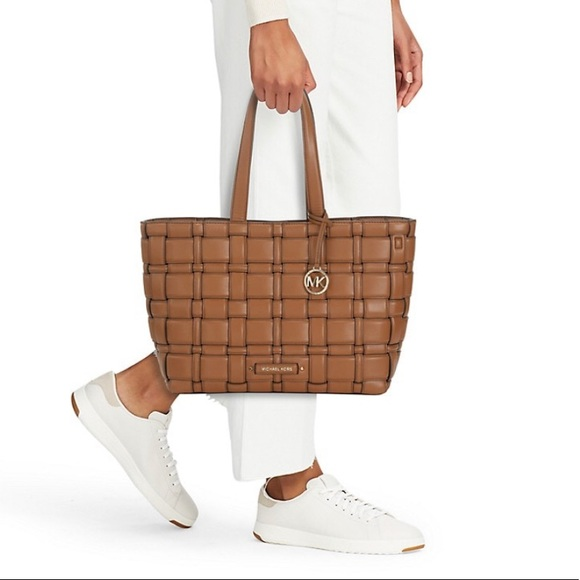 AUTH. MICHAEL KORS IVY TOTE LUGGAGE COLOR